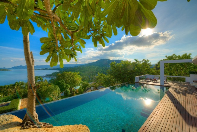 High Tech Villa with 4 bedrooms in Koh Samui For Rent