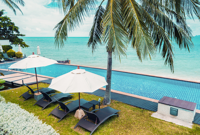 5 bedrooms beach villa with 2 swimming pools for rent in Koh Samui Thailand