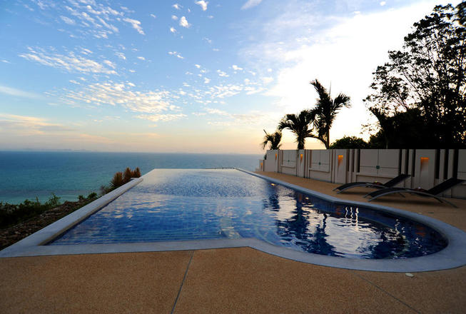 5 bedrooms villa with panoramic veiw in Bang Por for rent